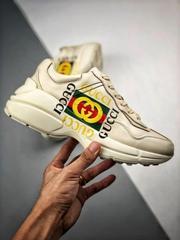 Кроссовки оптом из Китая